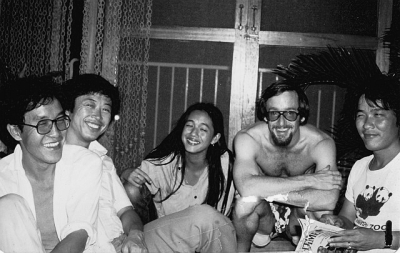 """Bangkok circa 1980 - (L-R) : KimGooi; Naoki Mabuchi (ABC News cameraman); Ing K (author, documentary and movie director/producer); John Hail (UPI bureau chief, Dpa editor); the late Sanee Mongkol (ABC News sound engineer)"""